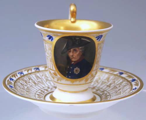 kpm berlin tasse cup with saucer portr t friedrich des grossen von preussen 1840 ebay. Black Bedroom Furniture Sets. Home Design Ideas