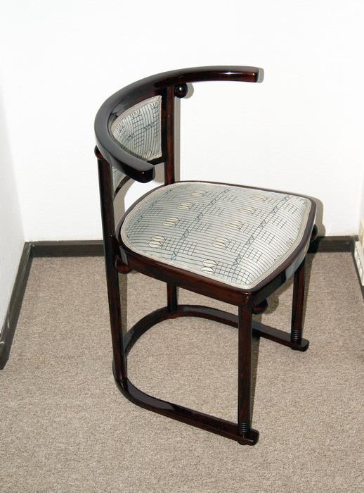 Thonet stuhl beautiful thonet stuhl gruppe er satz buche for Thonet nachbau